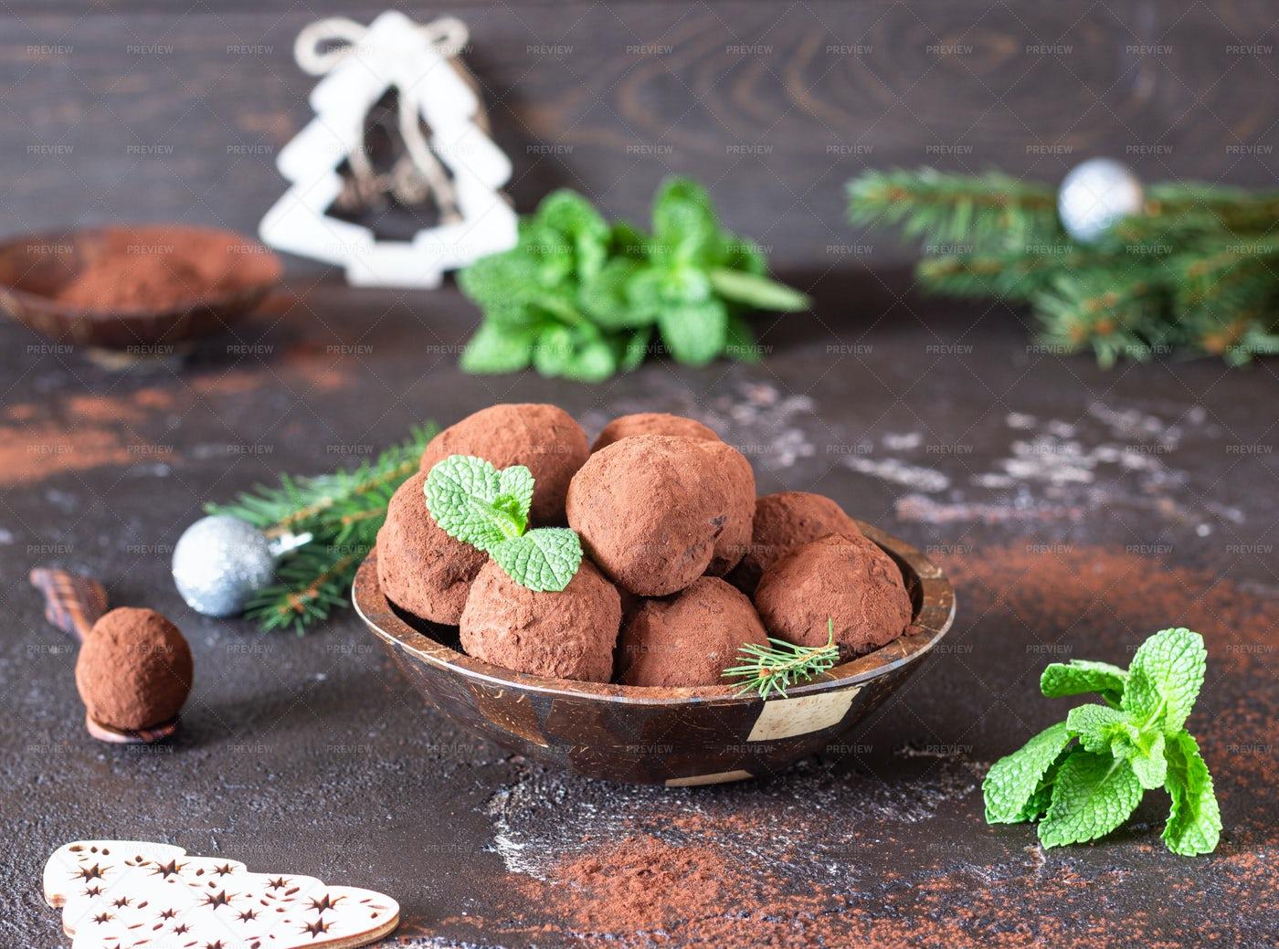 Christmas Truffles: Stock Photos