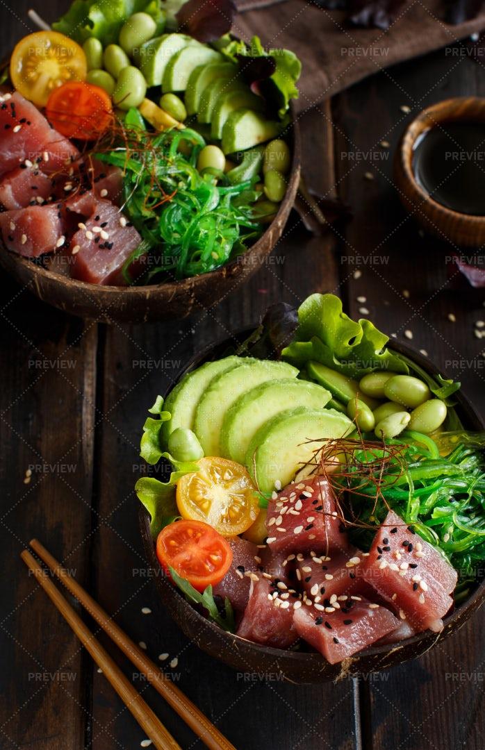 Hawaiian Tuna Poke Bowl: Stock Photos