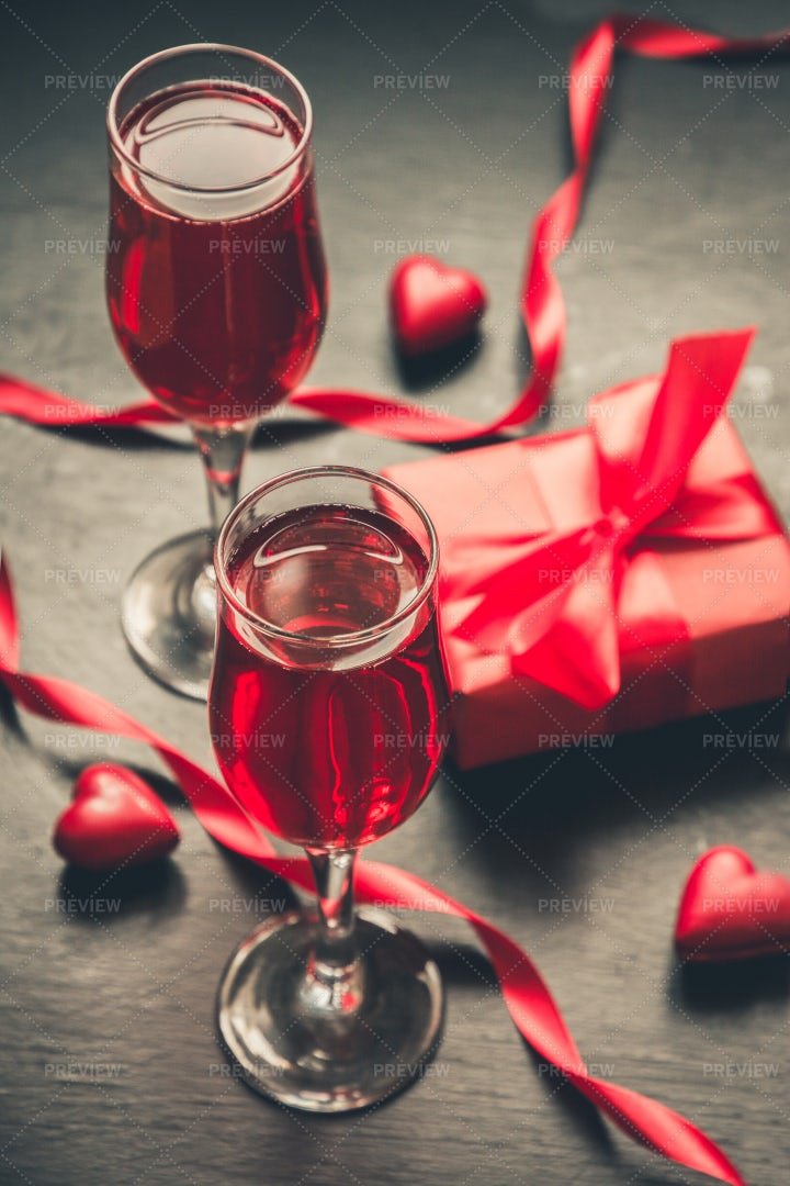 Red Champagne And Valentine Gift: Stock Photos