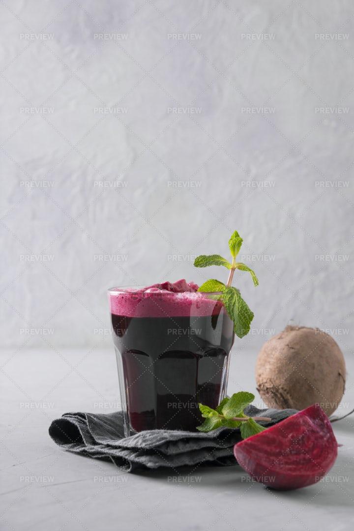 Beetroot Juice: Stock Photos