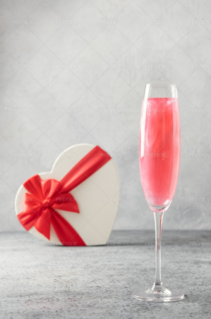 Heart-Shaped Gift And Sparkling Wine: Stock Photos