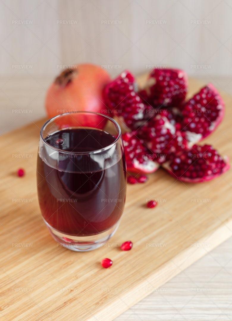 Red Pomegranate Juice: Stock Photos
