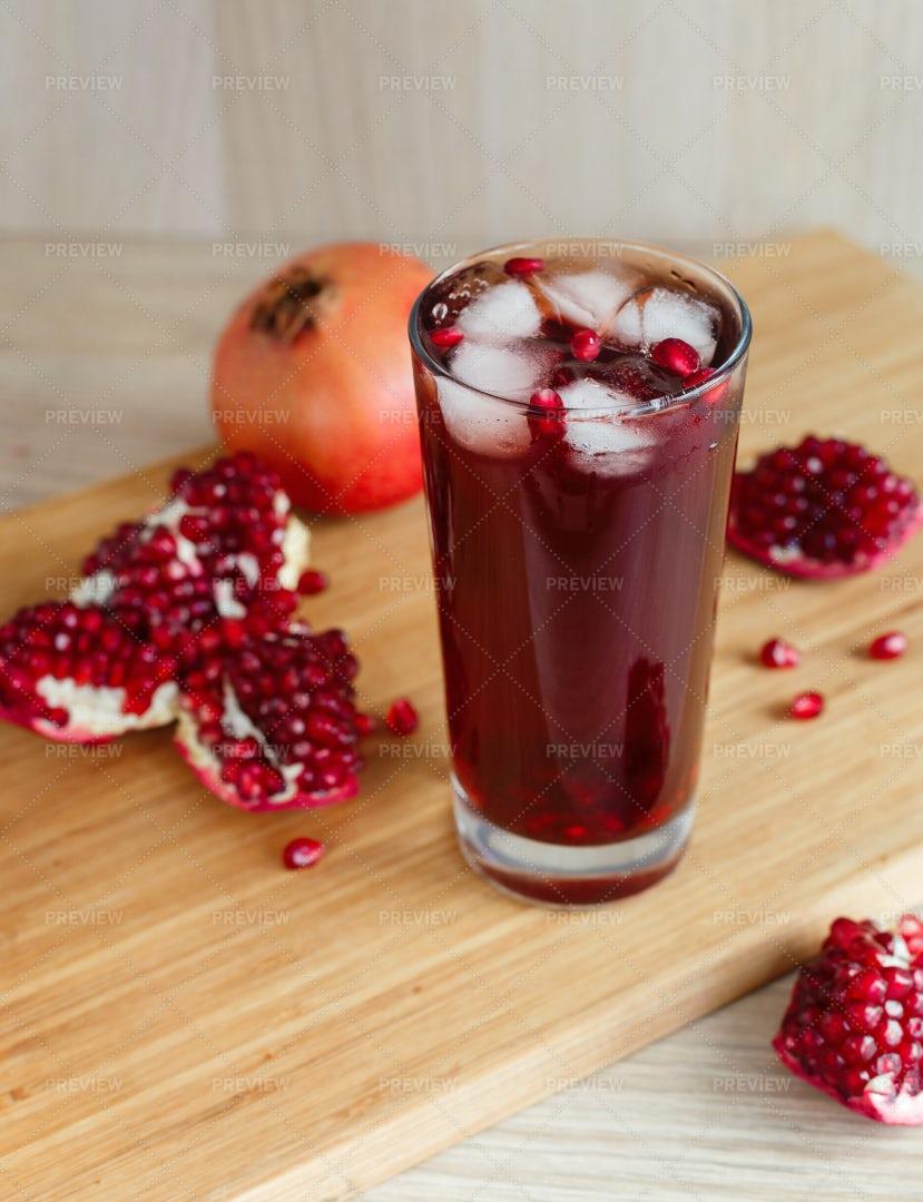 Healthy Pomegranate Juice: Stock Photos