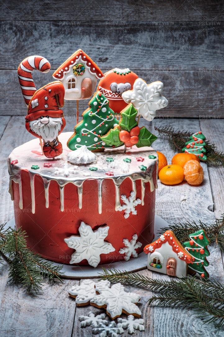Decorated Christmas Cake: Stock Photos