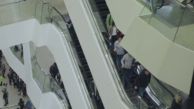 People Using An Escalator : Stock Video