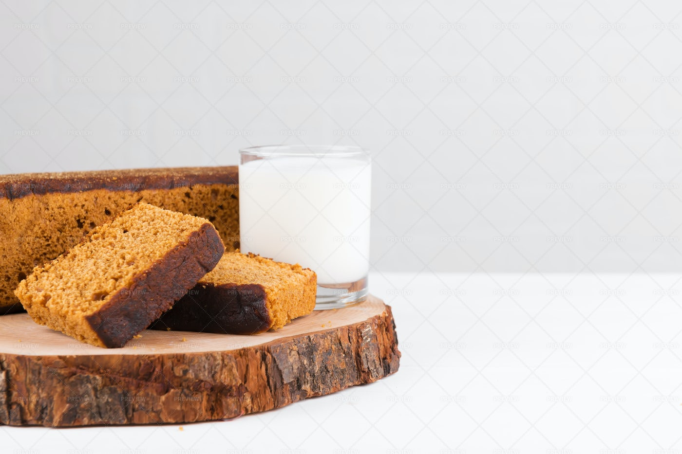 Gingerbread Cake With Milk: Stock Photos