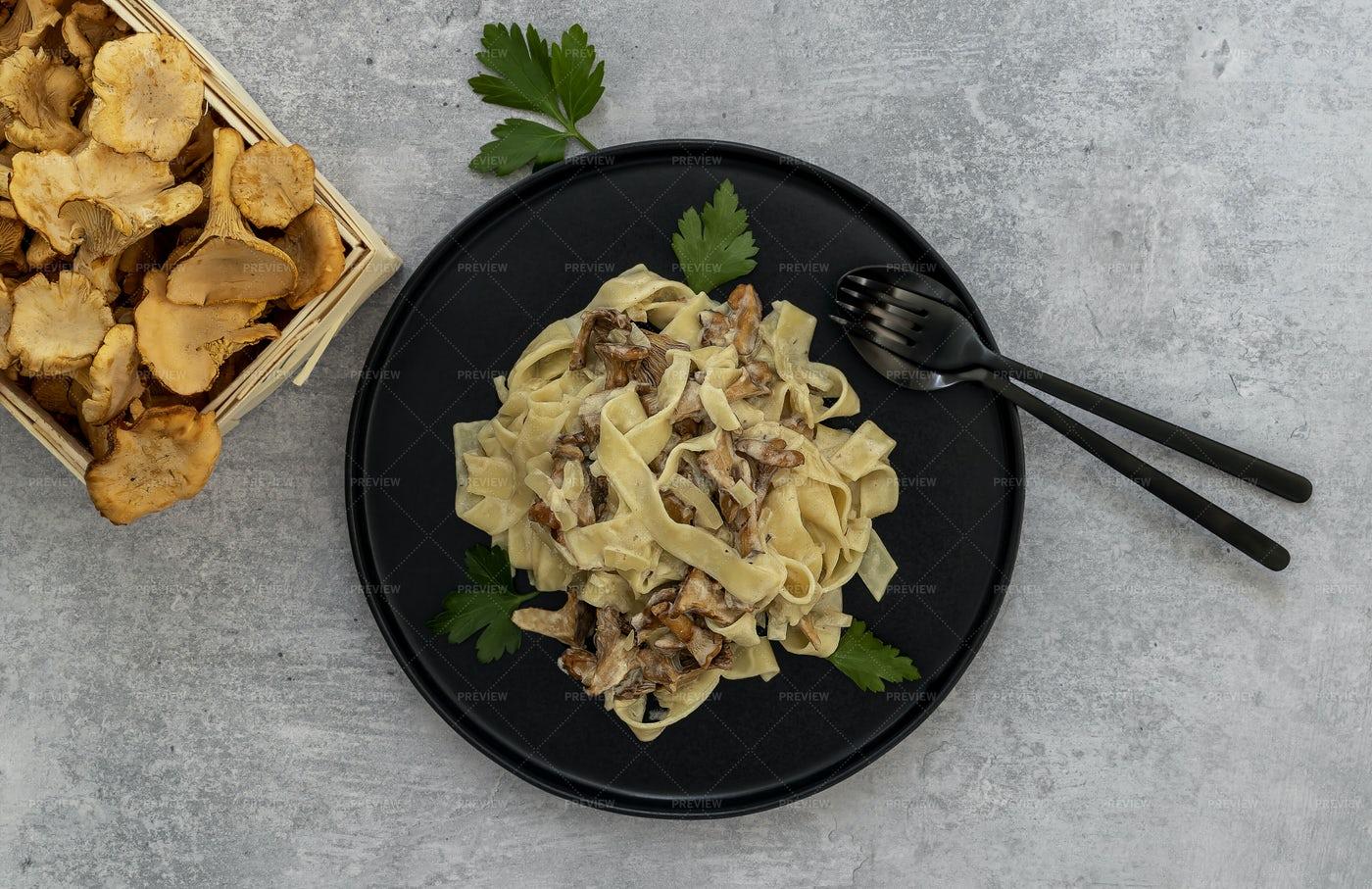 Chanterelle Mushrooms And Pasta: Stock Photos