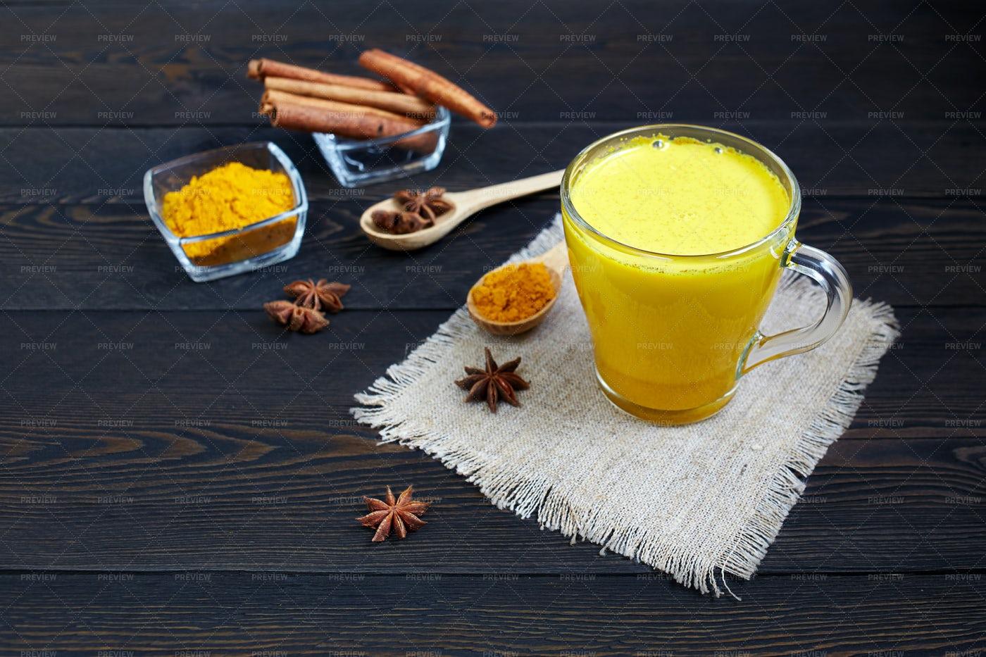 Turmeric Latte: Stock Photos