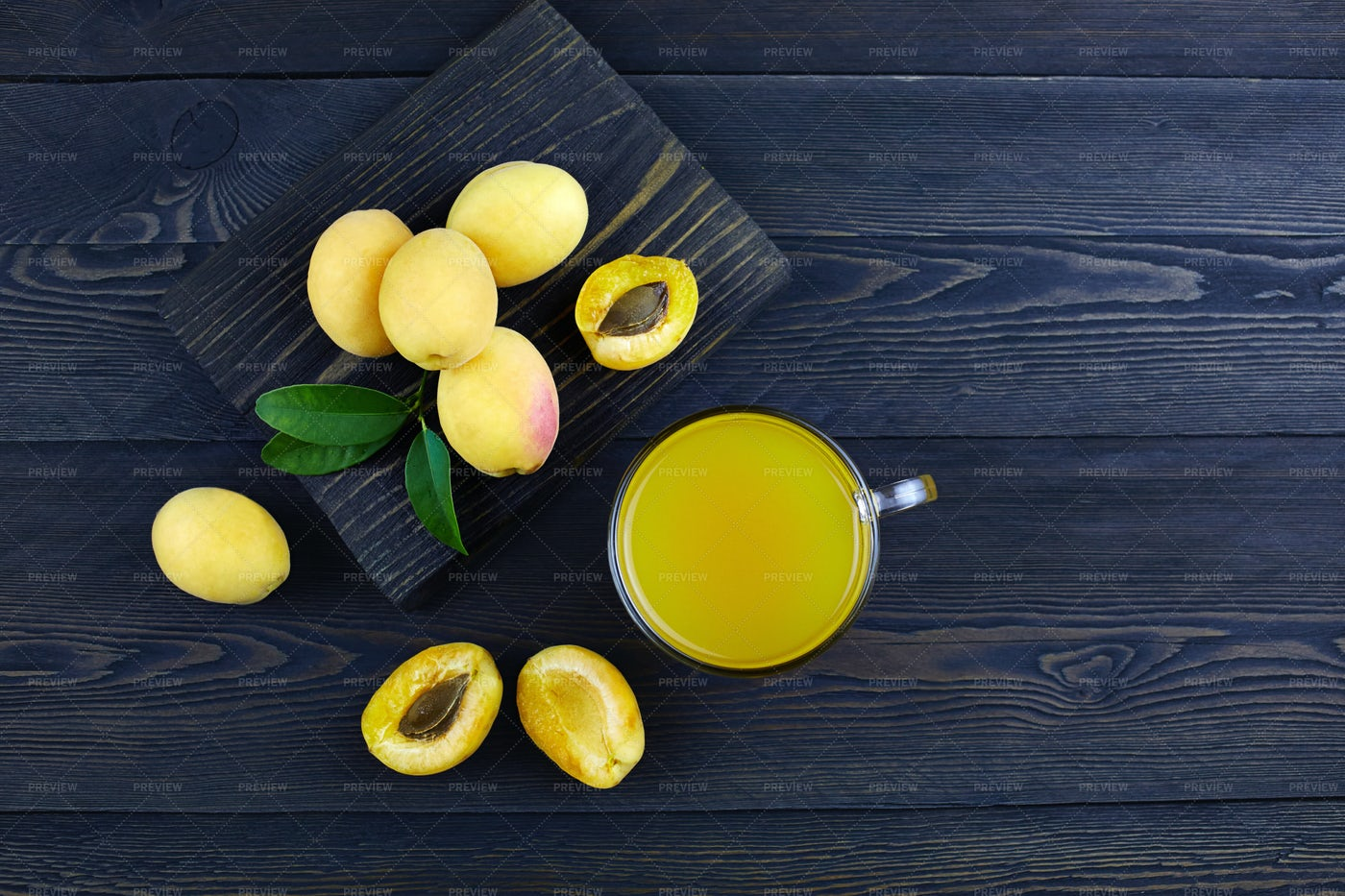 Apricots Juice: Stock Photos