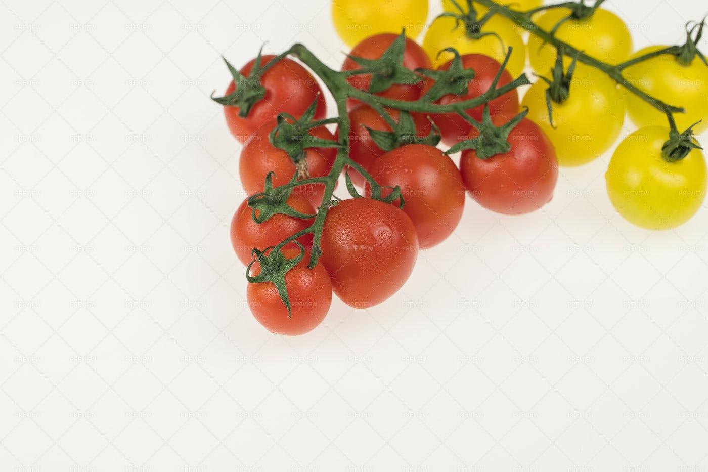 Fresh Wet Tomatoes: Stock Photos