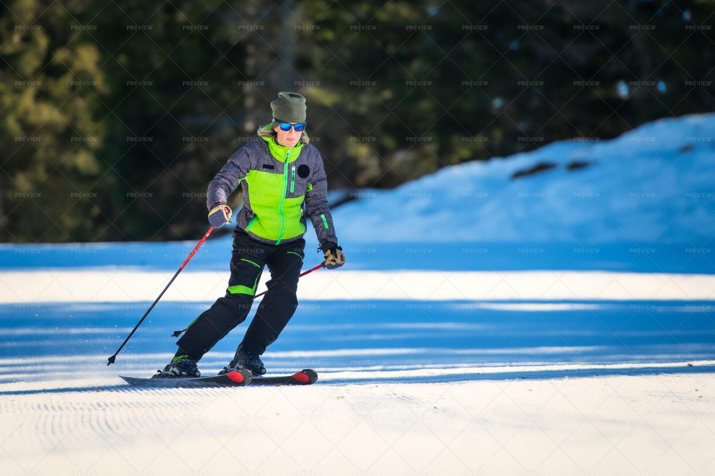 Woman Skiing: Stock Photos