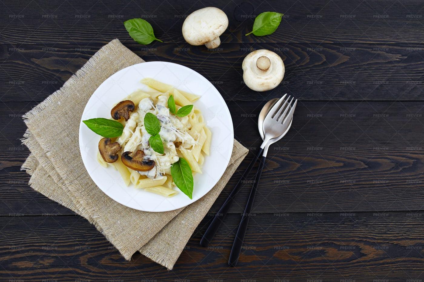 Penne Pasta With Mushrooms: Stock Photos