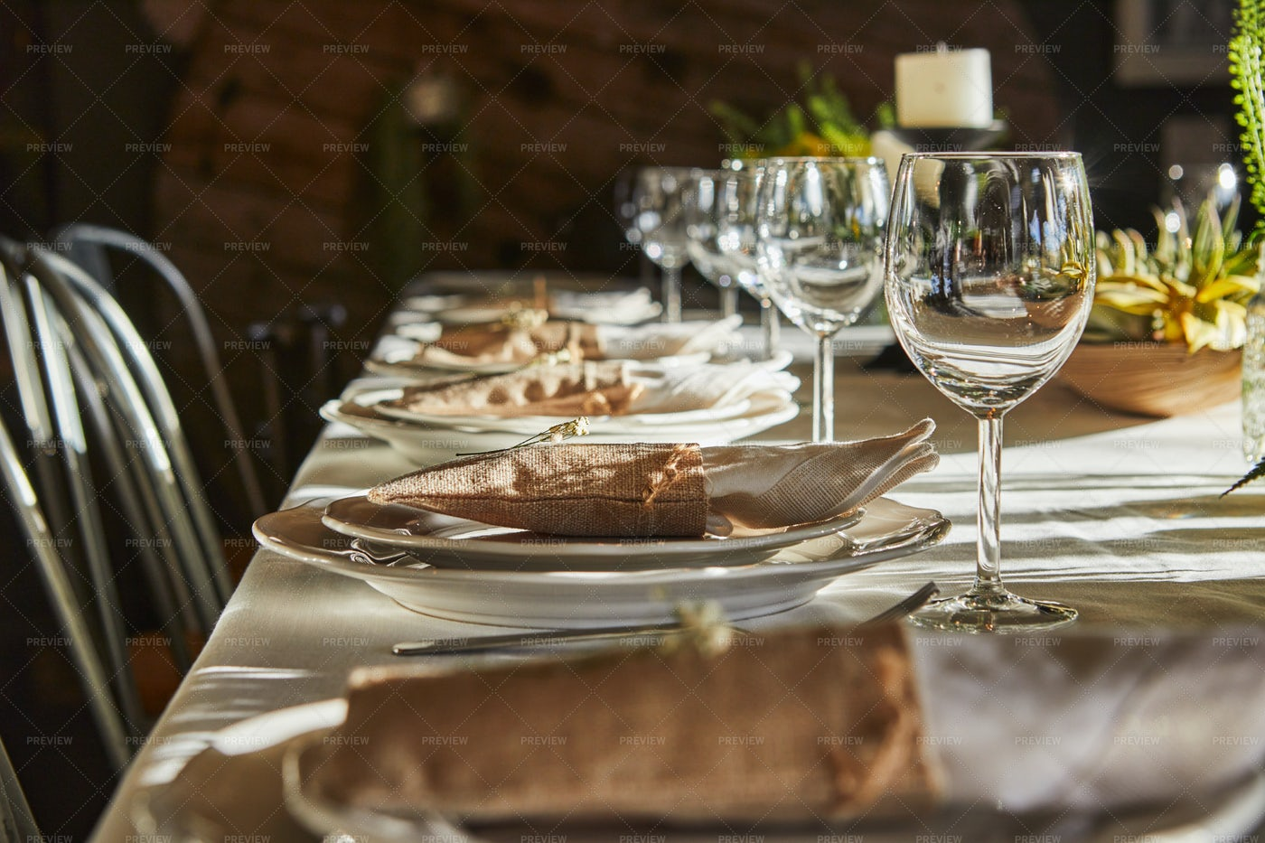 Rustic Dinner Table Setting: Stock Photos