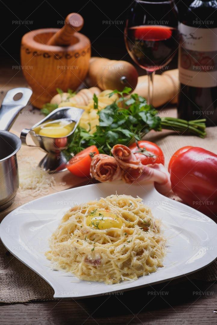 Carbonara Pasta With Bacon: Stock Photos