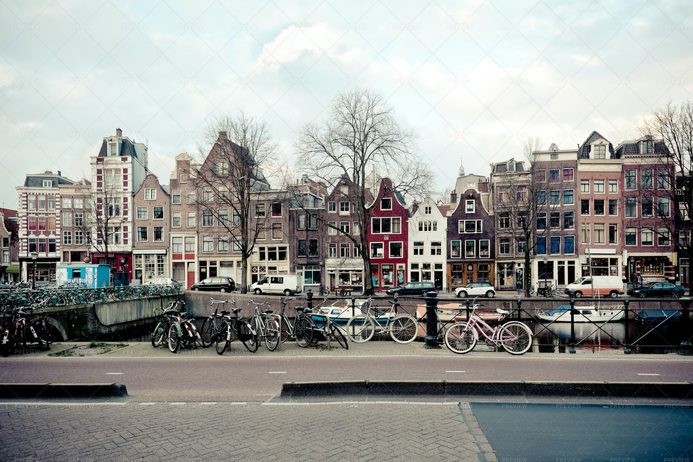 Amsterdam Canal Street View: Stock Photos