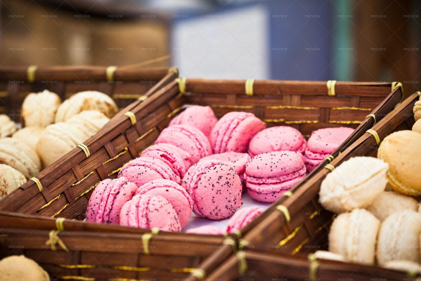 Sweet Macarons: Stock Photos