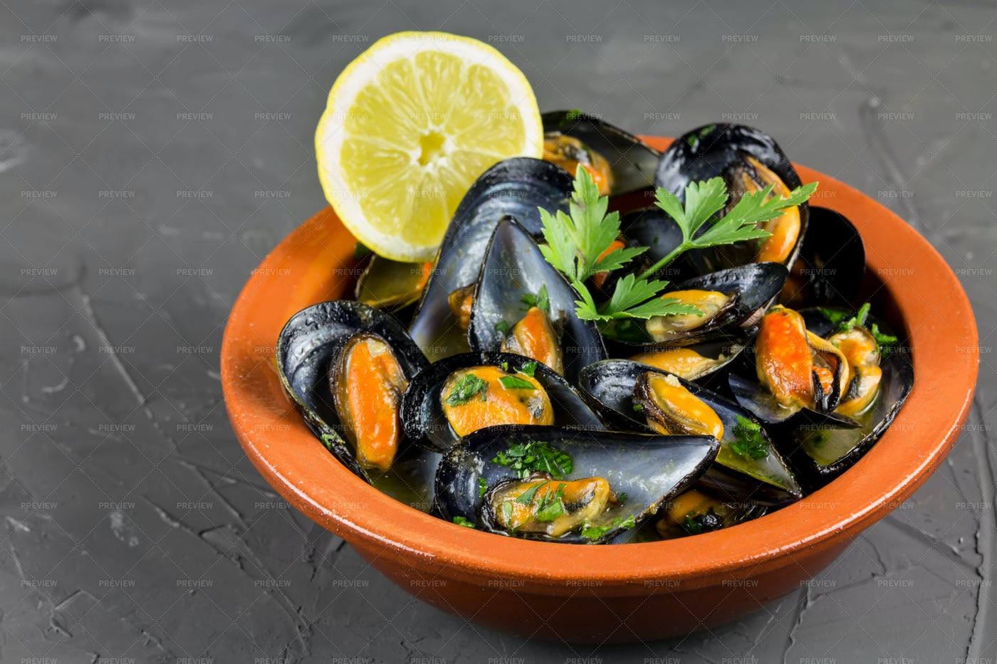 Soup Of Mussels: Stock Photos