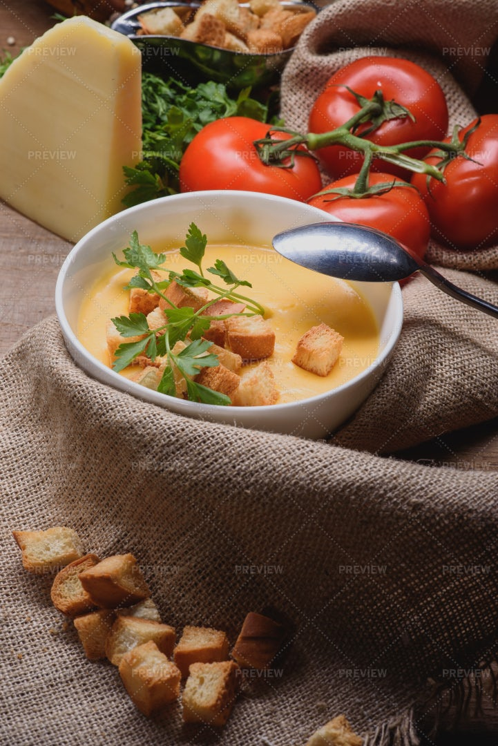 Creamy Cheese Soup With Croutons: Stock Photos