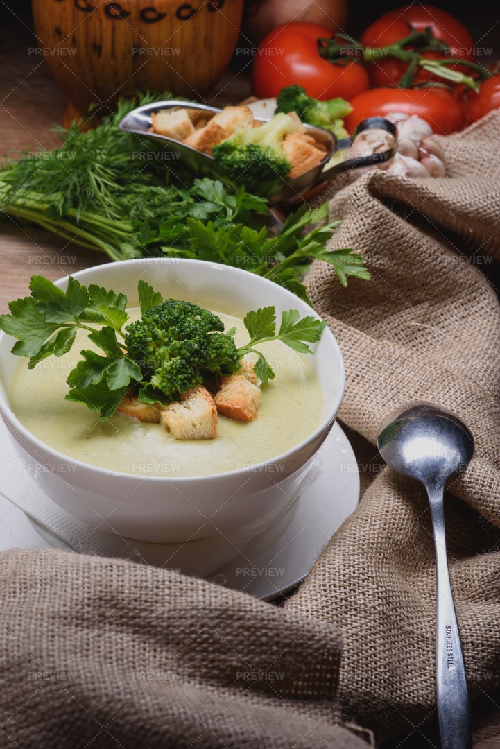 Creamy Broccoli Soup With Croutons: Stock Photos