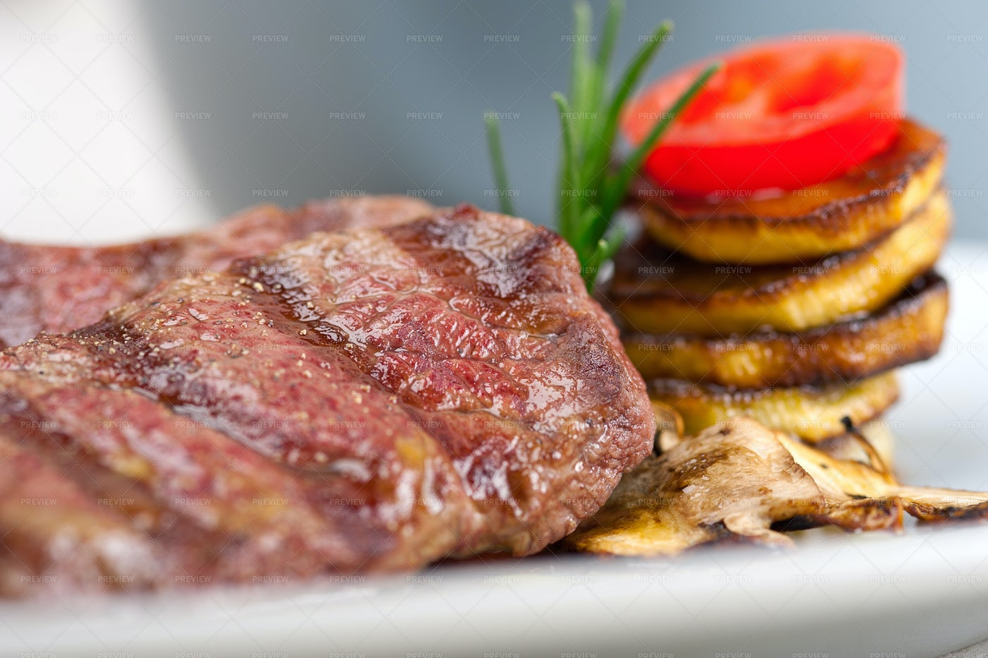 Grilled Kobe Miyazaky Beef: Stock Photos