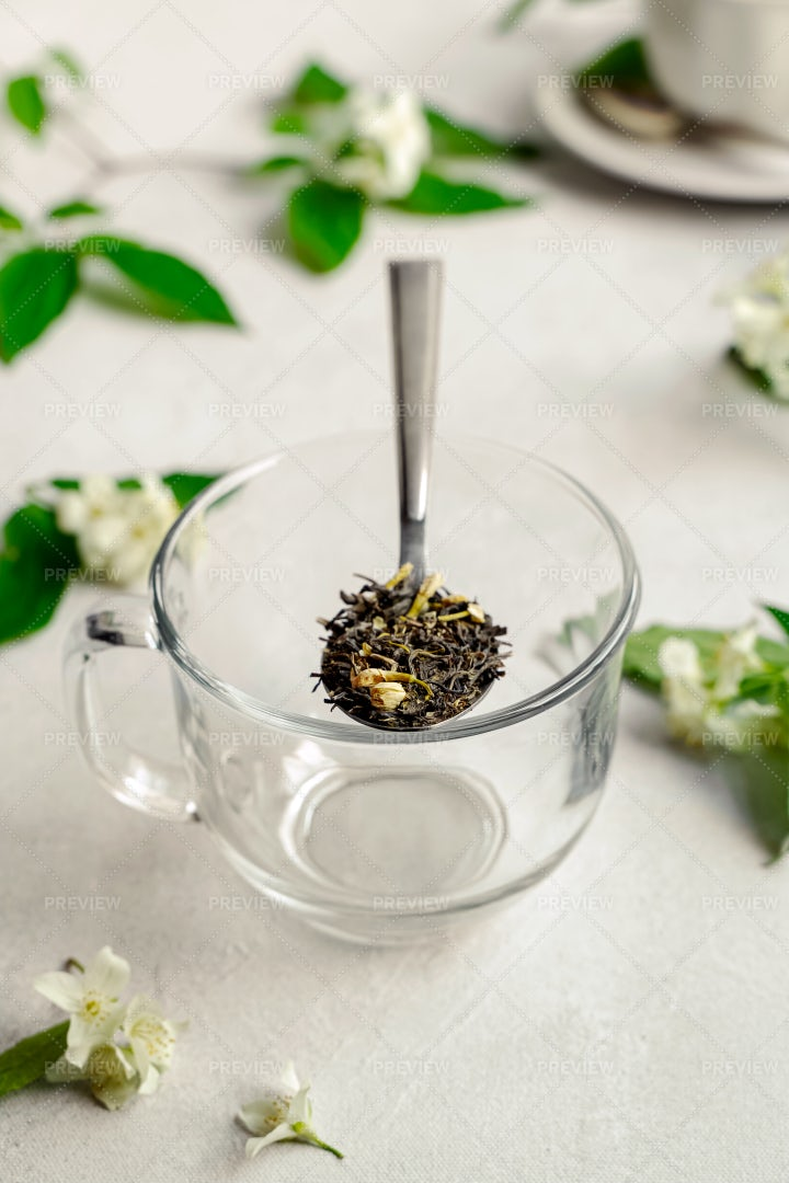 Dry Green Tea: Stock Photos
