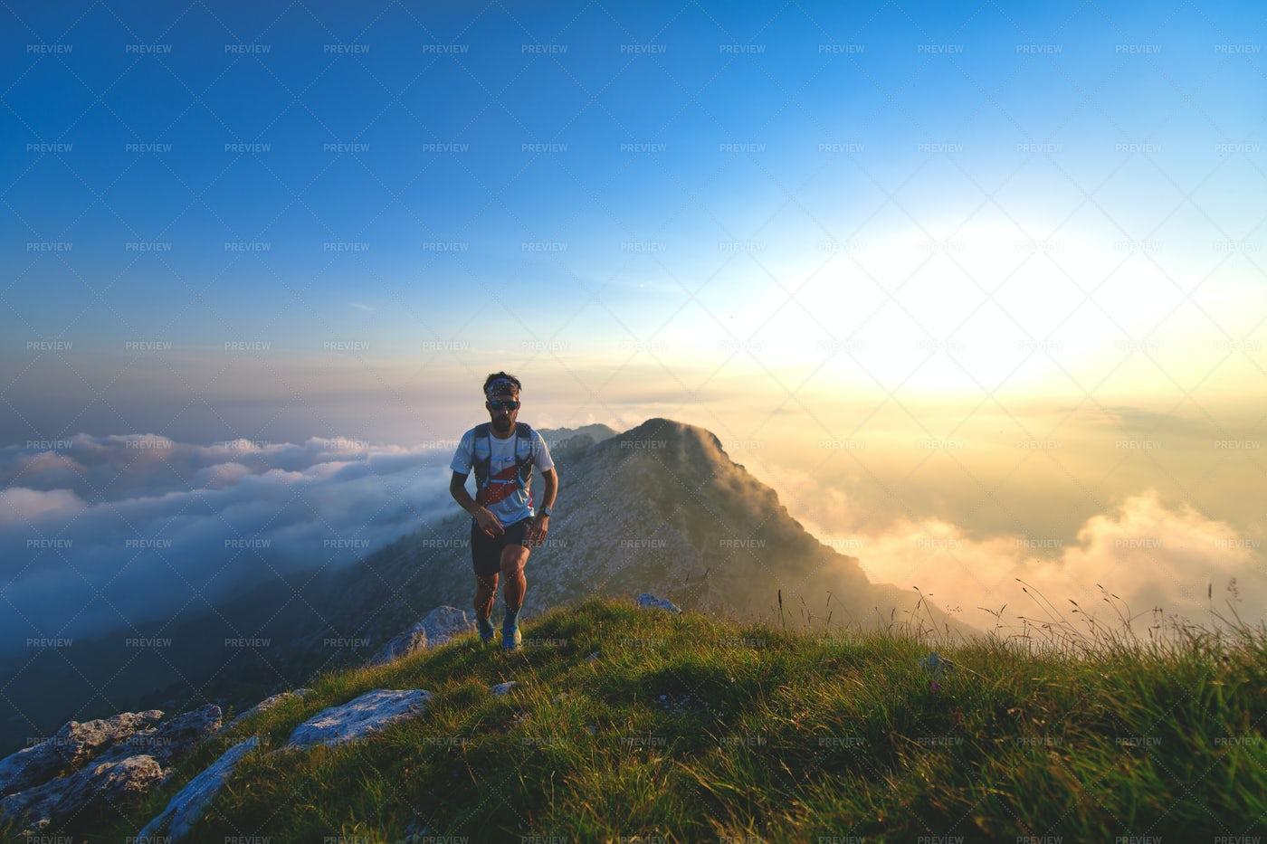 Mountain Runner: Stock Photos