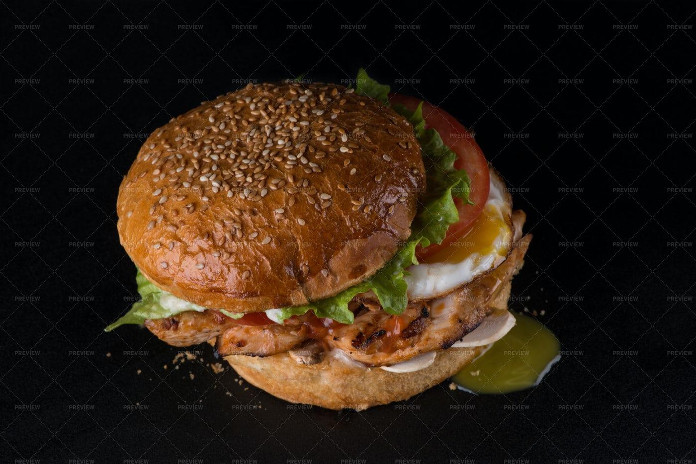 A Chicken Burger: Stock Photos