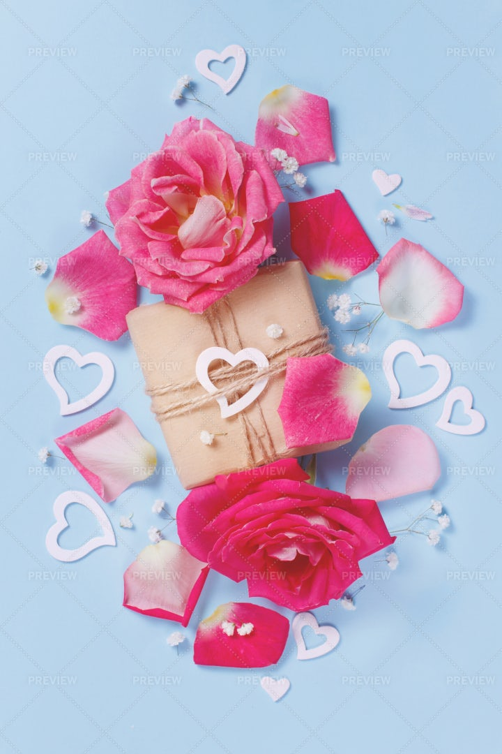 Roses And Gift Box: Stock Photos