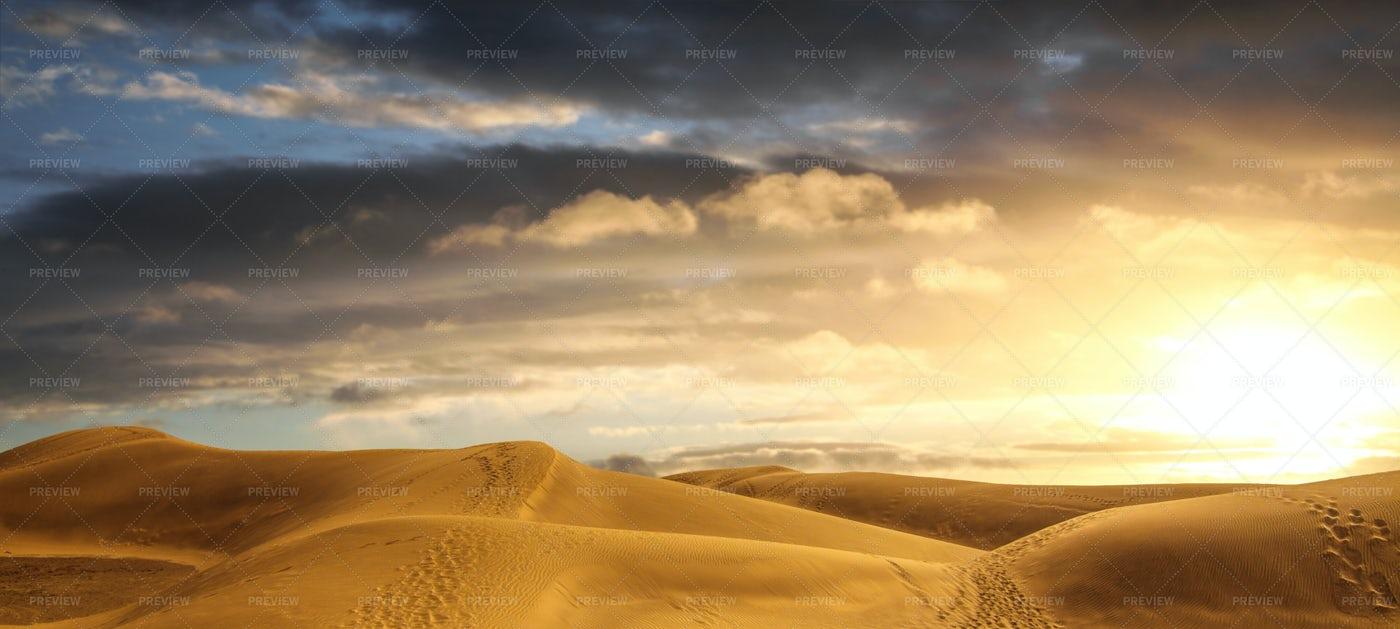 Desert Panorama: Stock Photos