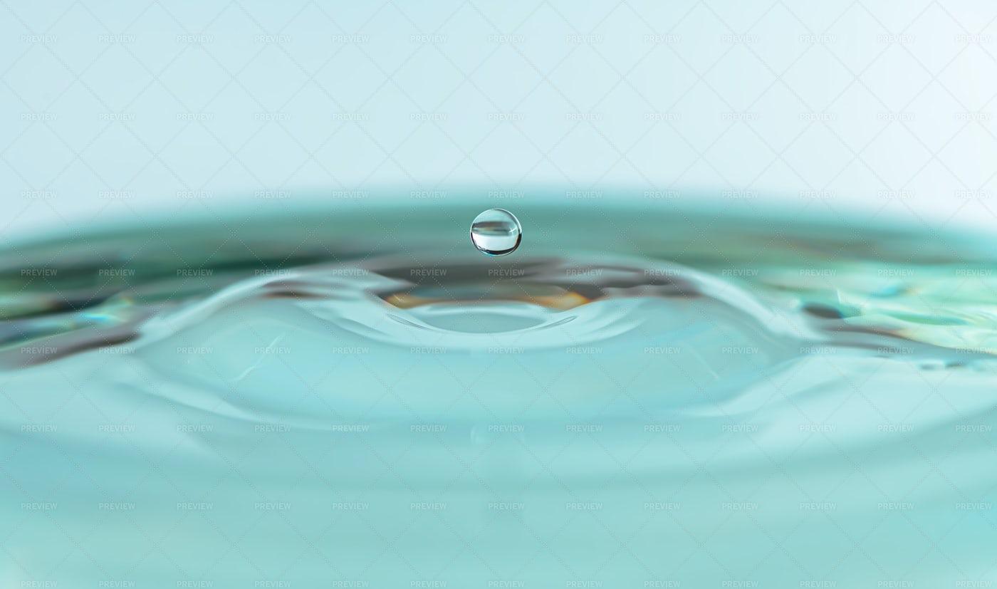 Round Drop Of Water: Stock Photos