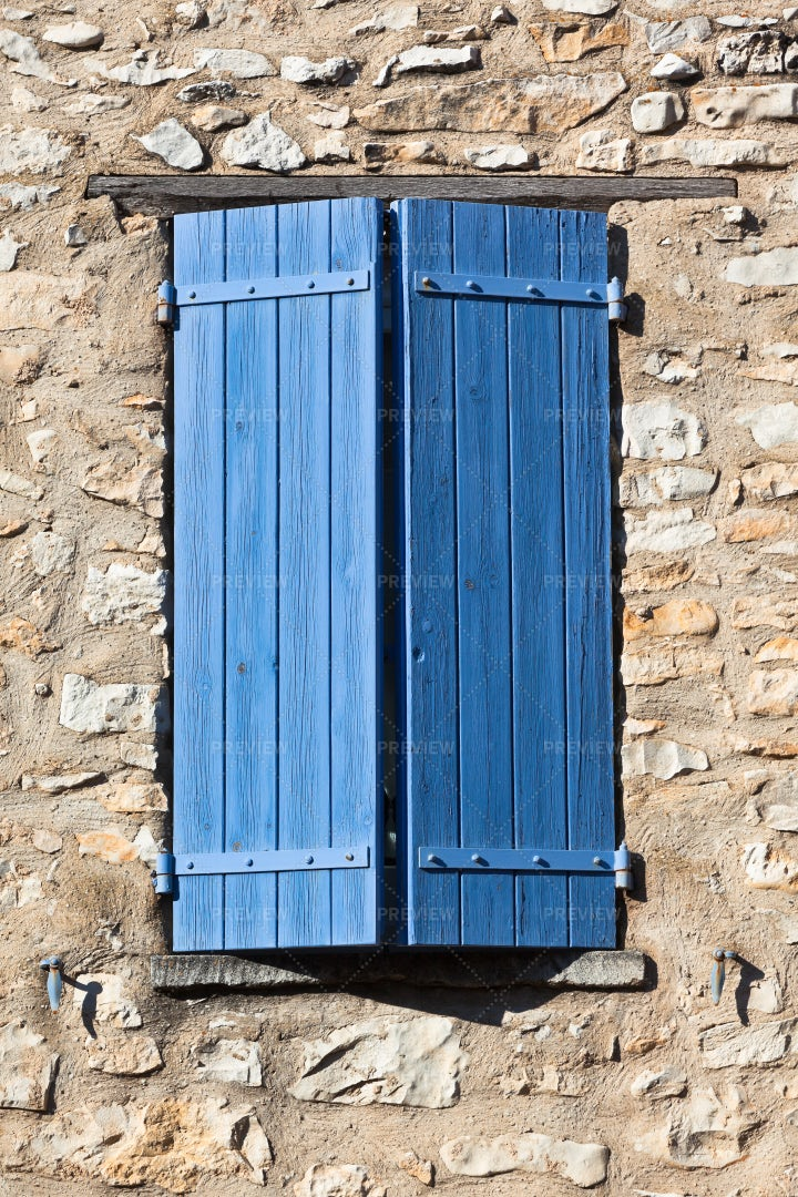 House With Blue Shutters: Stock Photos