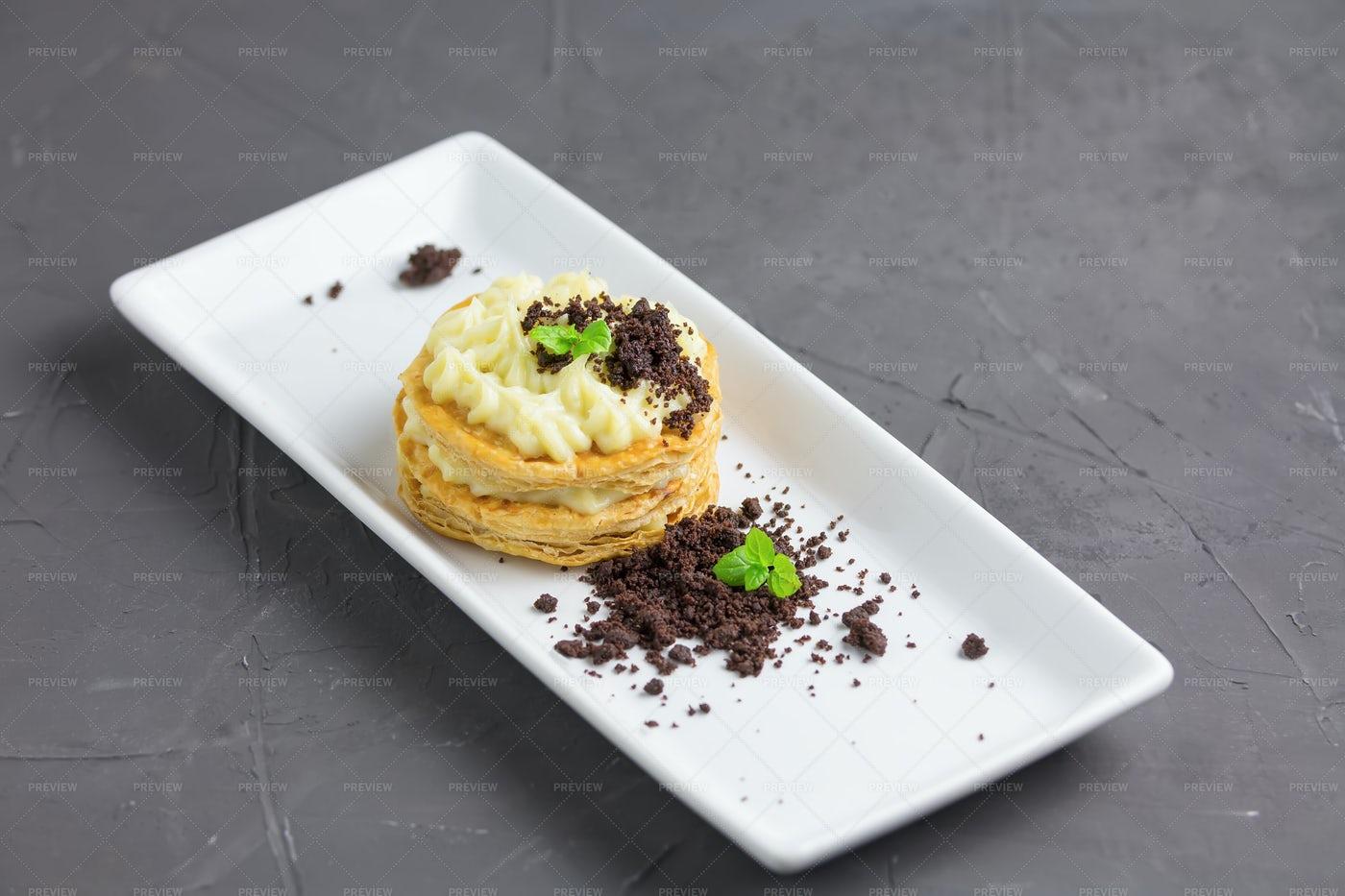 Italian Custard Puff Pastry: Stock Photos
