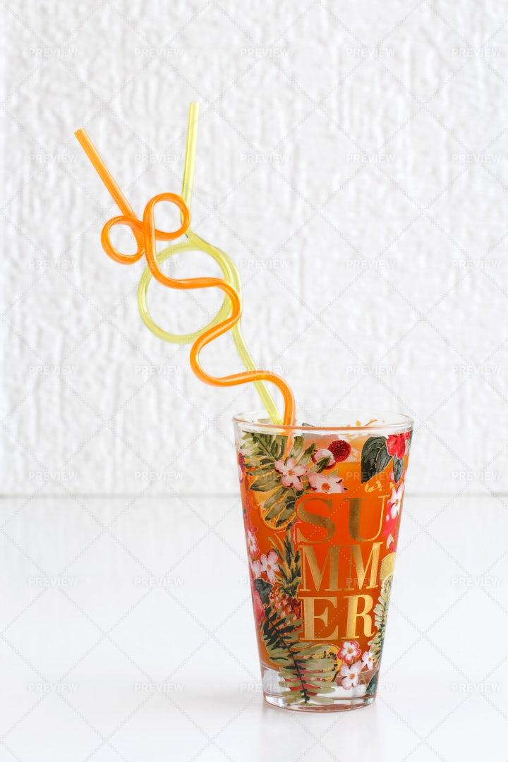 Refreshing Lemonade: Stock Photos