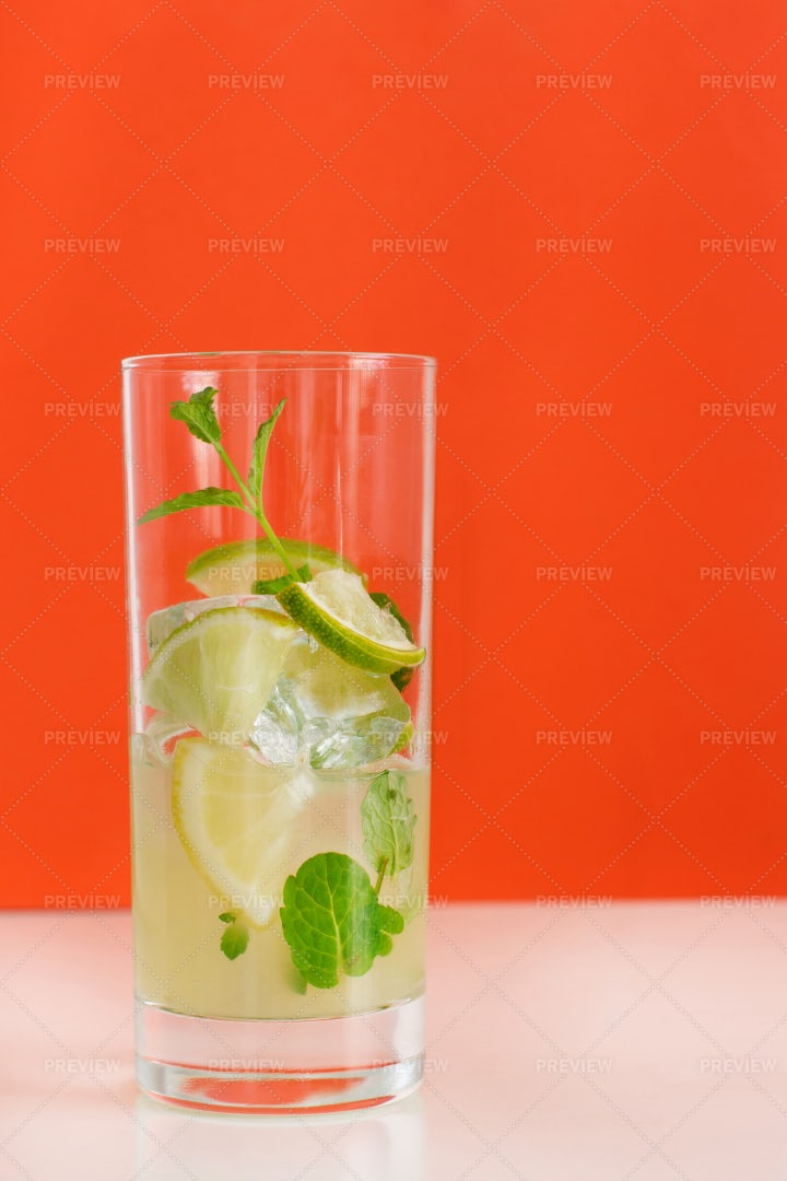 Drink With Lemon And Mint: Stock Photos