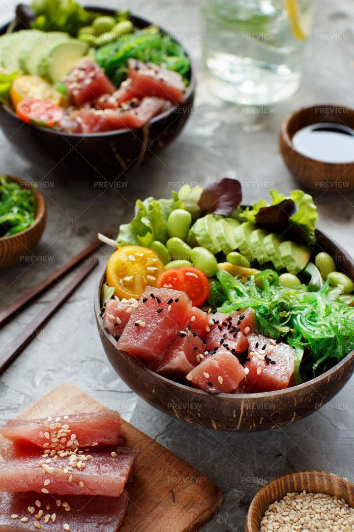 Tuna Poke Bowl: Stock Photos