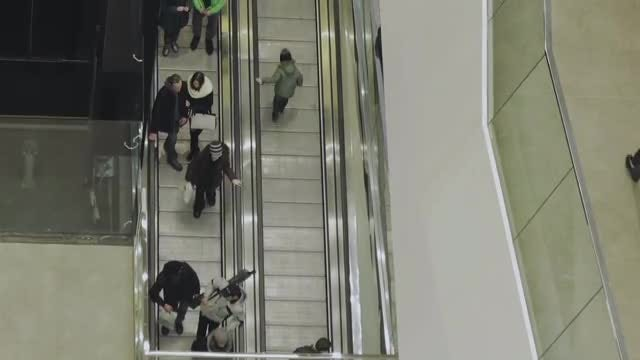 Mall Escalators: Stock Video