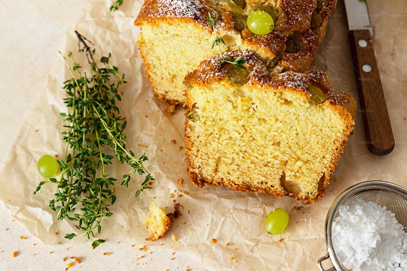 Homemade Grape Loaf Cake: Stock Photos