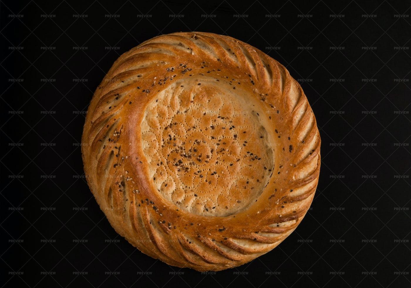 Round Bread: Stock Photos