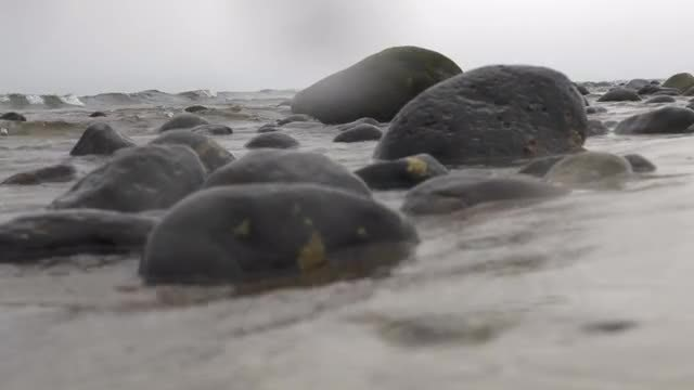 Ocean Waves Washing Rocks: Stock Video