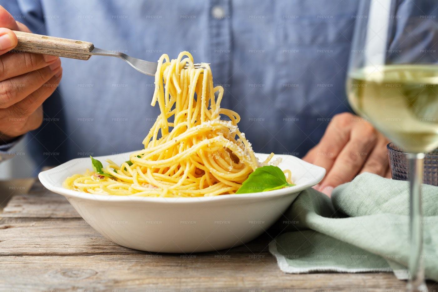 Man Eating Pasta: Stock Photos
