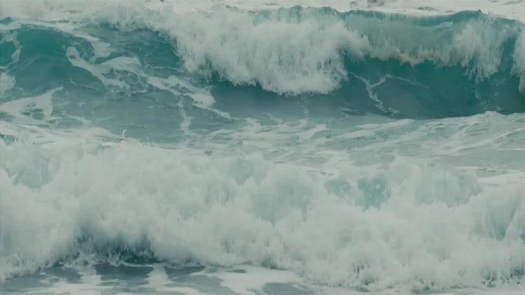 Powerful Ocean Waves: Stock Video