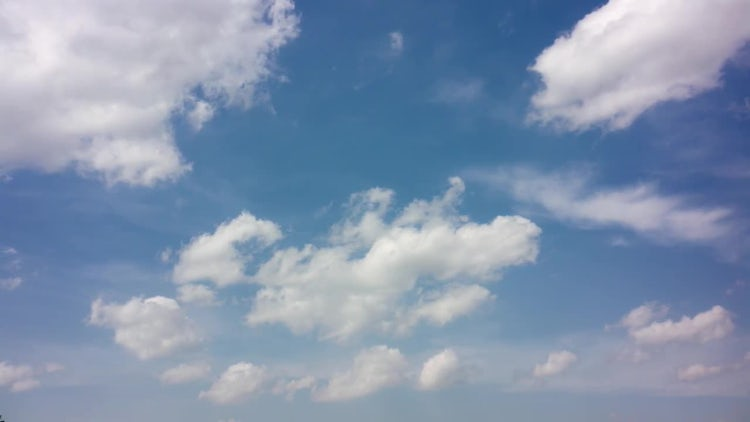 Fluffy White Clouds Moving Slowly: Stock Video