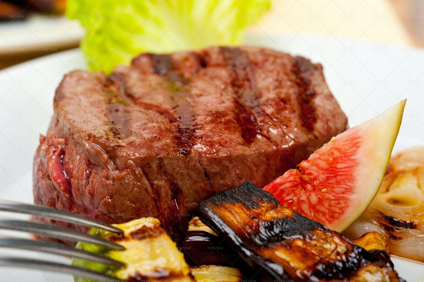Grilled Beef Filet Mignon: Stock Photos