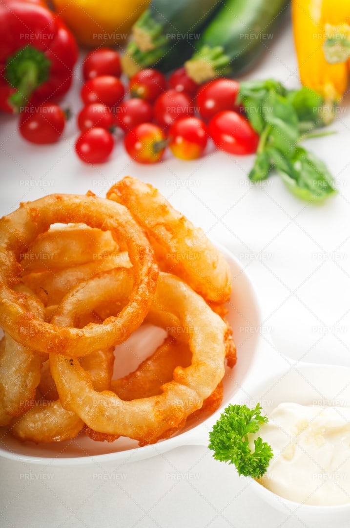 Golden  Fried Onion Rings: Stock Photos