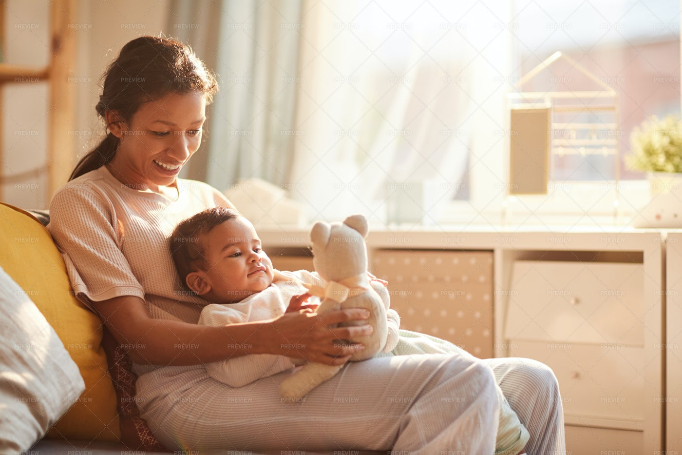 Mother With Child: Stock Photos