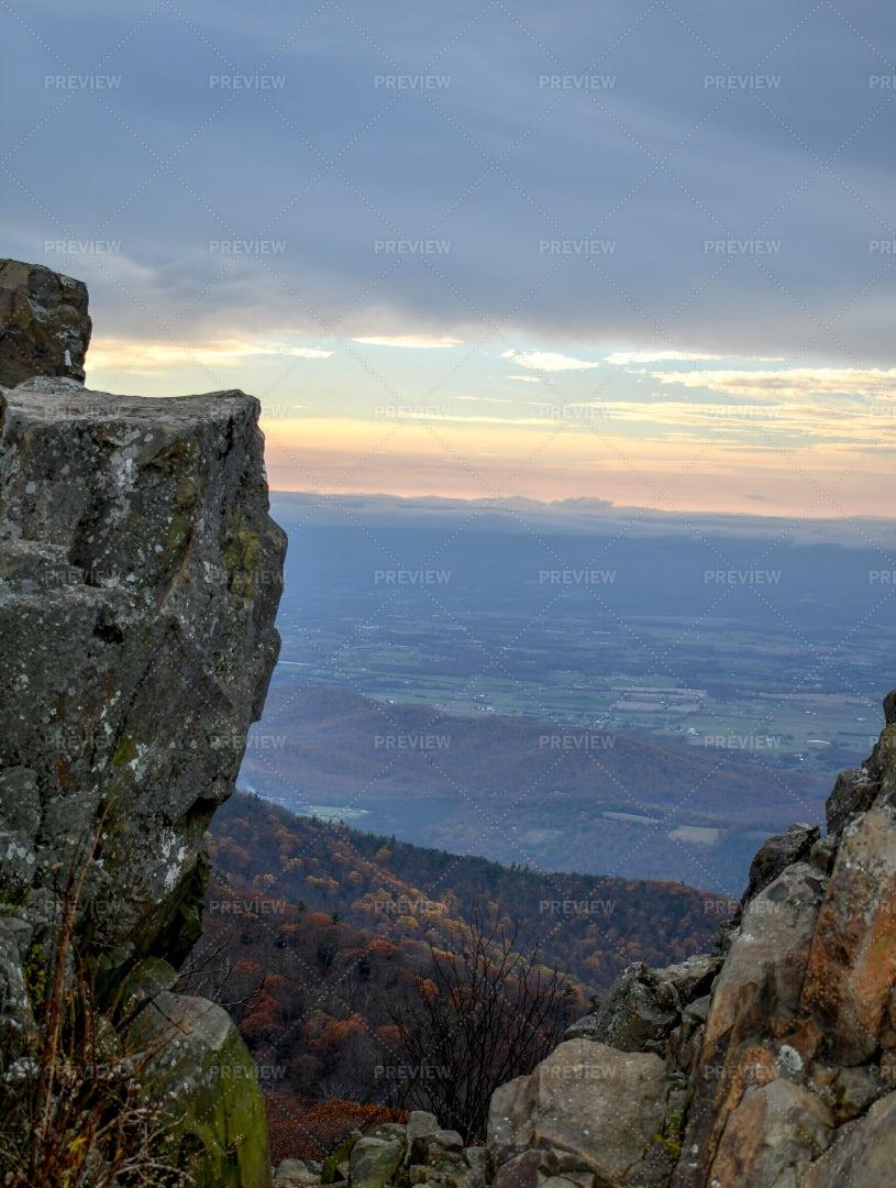 Twilight Mountain Panorama: Stock Photos