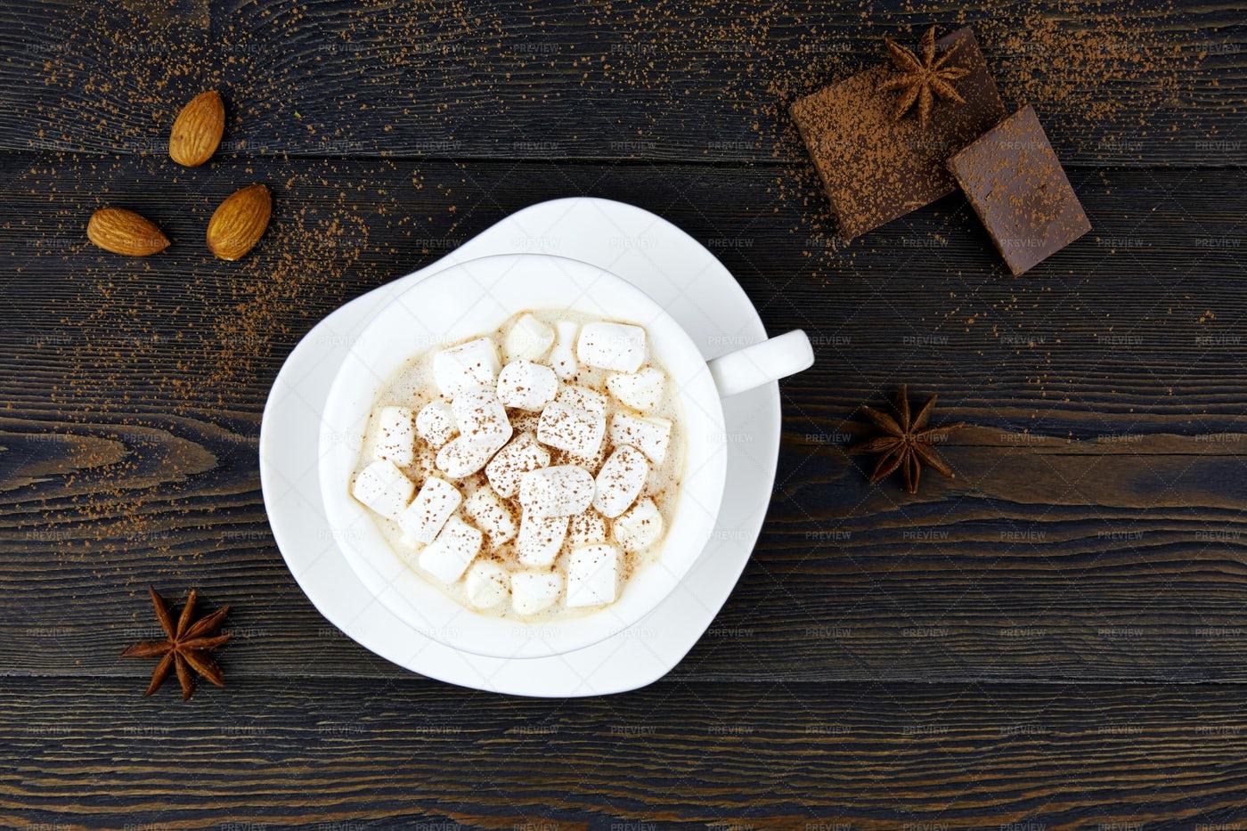 Hot Chocolate With Marshmallows: Stock Photos
