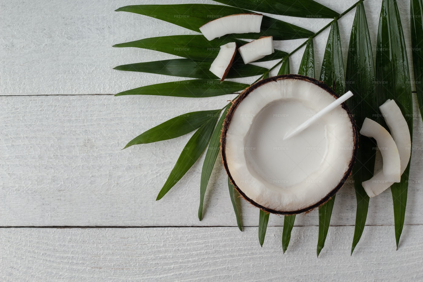 Coconut Milk: Stock Photos