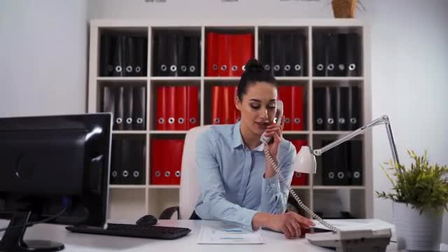 Businesswoman Making A Phone Call : Stock Video