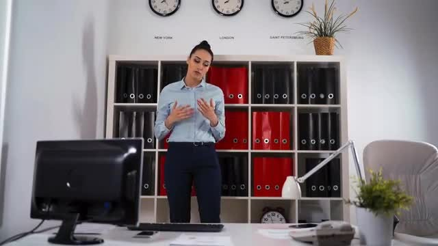 Thinking Of Solutions In Office: Stock Video